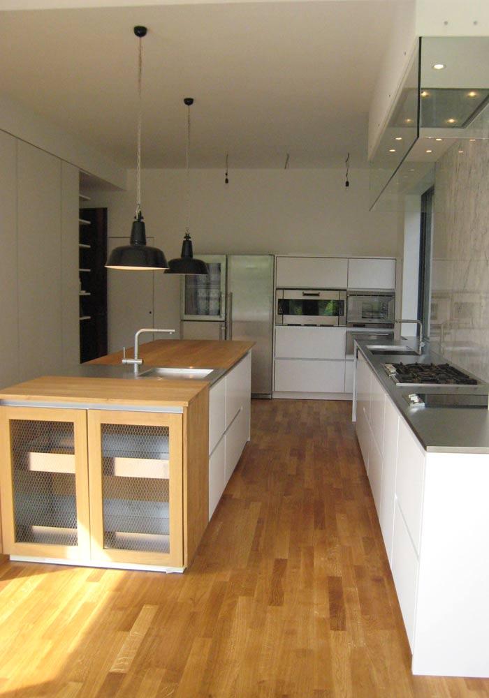 Küche weiß-braun - Schreinerei INFORM