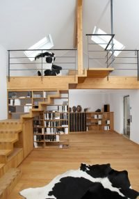 Treppe und Regal, Kuhmöbel