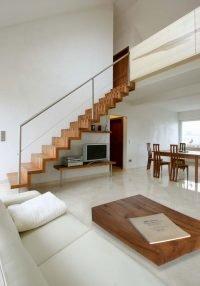 Treppe und Tisch