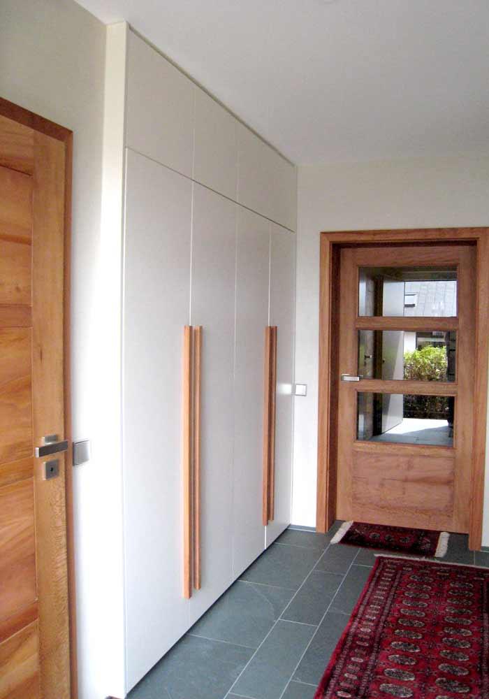 Tür und Schrank